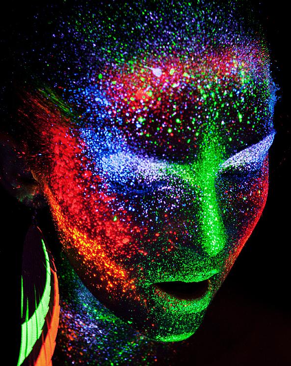 светящийся боди-арт